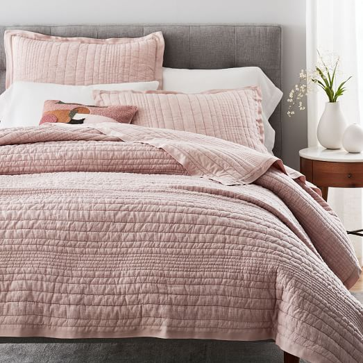 Rent Quilts this Winter to Keep You Warm & Cozy With Rentable. pk